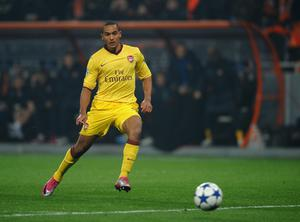 DONETSK, UKRAINE - NOVEMBER 03:  Theo Walcott of Arsenal scores the opening goal during the Champions League Group H match between FC Shakhtar Donetsk and Arsenal at the Donbass Arena on November 3, 2010 in Donetsk, Ukraine.  (Photo by Laurence Griffiths/Getty Images)