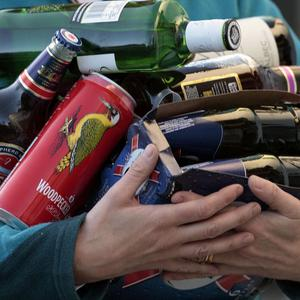 The Government has been urged to introduce a national training scheme for people who sell alcohol