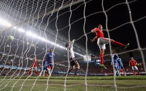 LONDON, ENGLAND - APRIL 04:  Javi Garcia of Benfica scores during the UEFA Champions League Quarter Final second leg match between Chelsea and Benfica at Stamford Bridge on April 4, 2012 in London, England.  (Photo by Warren Little/Getty Images)