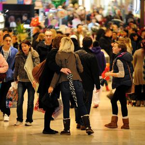 Shoppers descend on Oxford Street for last-minute Christmas goods