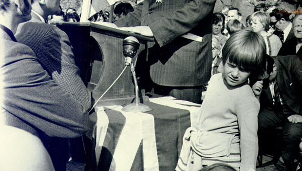 Ian Paisley:Democratic Unionist Party (DUP), SPEAKS AT A PROTEST RALLY AT CARRICKFERGUS CASTLE. 10/9/1971.