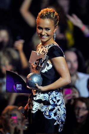 BELFAST, NORTHERN IRELAND - NOVEMBER 06:  Aactress Hayden Panettiere presents onstage during the MTV Europe Music Awards 2010 live show at at the Odyssey Arena on November 6, 2011 in Belfast, Northern Ireland.  (Photo by Gareth Cattermole/Getty Images)