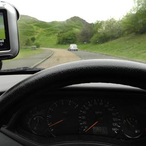 Drivers are at their most alert on a Monday, a survey has shown