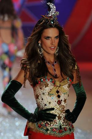 NEW YORK, NY - NOVEMBER 07:  Victoria's Secret Angel Alessandra Ambrosio walks the runway during the Victoria's Secret 2012 Fashion Show on November 7, 2012 in New York City.  (Photo by Bryan Bedder/Getty Images for SWAROVSKI ELEMENTS)