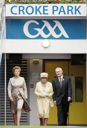 (Left - right) President of the Irish Republic Mary McAleese, Queen Elizabeth II and GAA President Christy Cooney at Croke Park, Dublin. Photo by Julien Behal/PA Wire.