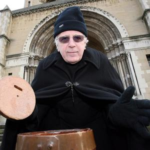 Dean Houston McKelvey starts his annual Christmas sit-out to raise money for charity at St Anne's Cathedral in Belfast
