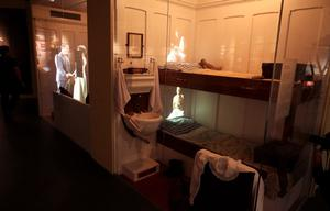 Second and third class cabins on the Titanic are recreated.