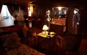 A first class cabin from the Titanic is recreated.