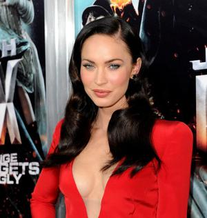 """HOLLYWOOD - JUNE 17:  Actress Megan Fox arrives at premiere of Warner Bros. """"Jonah Hex""""  held at ArcLight Cinema's Cinerama Dome on June 17, 2010 in Hollywood, California.  (Photo by Kevin Winter/Getty Images)"""
