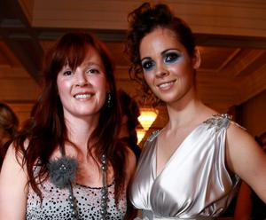 Doreen McGuinness, from South Belfast with Magners Light model Nicole Foden at the Magners Light Style Awards in Café Vaudeville