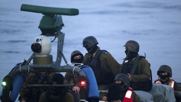 Israeli Navy soldiers prepare to intercept several boats