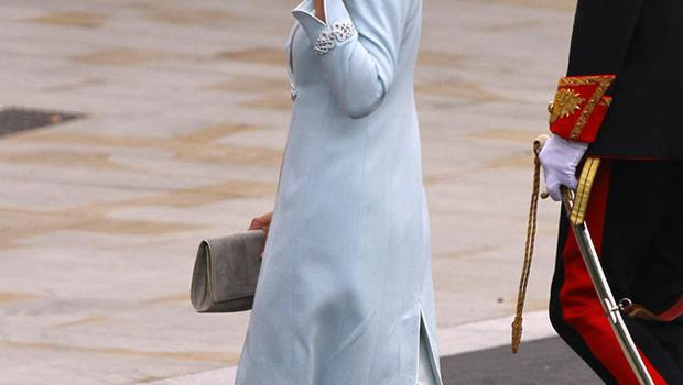 Carole Middleton arriving at Westminster Abbey, London, ahead of her daughter Kate Middleton's marriage to Prince William. PRESS ASSOCIATION Photo. Picture date: Friday April 29, 2011. See PA story WEDDING Guests. Photo credit should read: Gareth Fuller/PA Wire