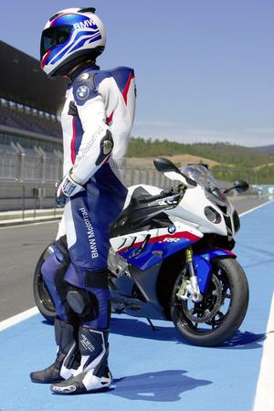 For BMW's S1000RR owners - quality gear to match