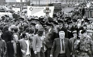 One of the first trade unionists to get through the picket line at Queen's Quay was the AFU district secretary Jimmy Graham (centre). Ulster Workers Council Strike 1974