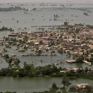Houses are submerged in floodwater in Shadad Kot near Sukkar, Pakistan(AP)