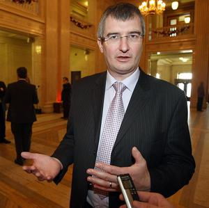 Ulster Unionist leader Tom Elliott is set for a groundbreaking meeting with members of the gay community