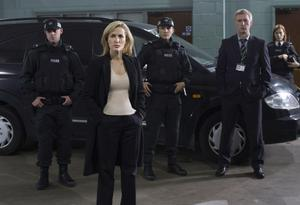 Gillian Anderson as DSI Stella Gibson with her screen team