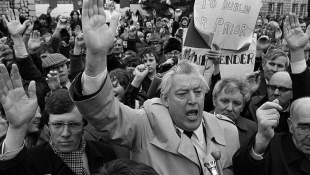 PACEMAKER BELFAST. Ulsters Day of action-Belfast City Hall. Huge Crowds took the advide of Ian Paisley and other Unionists to take the afternoon off work and show their feelings to the Government that they were against any Dublin relationships developing, fearing that any concessions would only lead to a United Ireland. 23/11/81.4/3/08 The DUP leader has announced that he will step down as First Minister and and leader of the Democratic Unionist Party in May.
