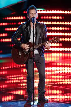 Keith performing on The Voice USA
