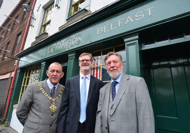 Lord Mayor Arder Carson, US Consul General Daniel Lawton and Chris Spurr of the Ulster History Circle at the unveiling of the blue plaque yesterday