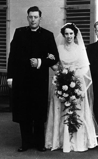 PACEMAKER BELFAST 15/04/98 Rev Ian Paisley pictured on his weding day to wife Eileen      Date unknown