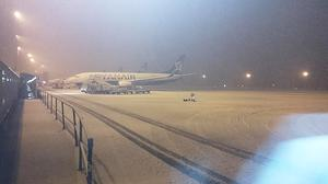Snow at Liverpool's John Lennon Airport, from the Twitter feed of @dazza1405