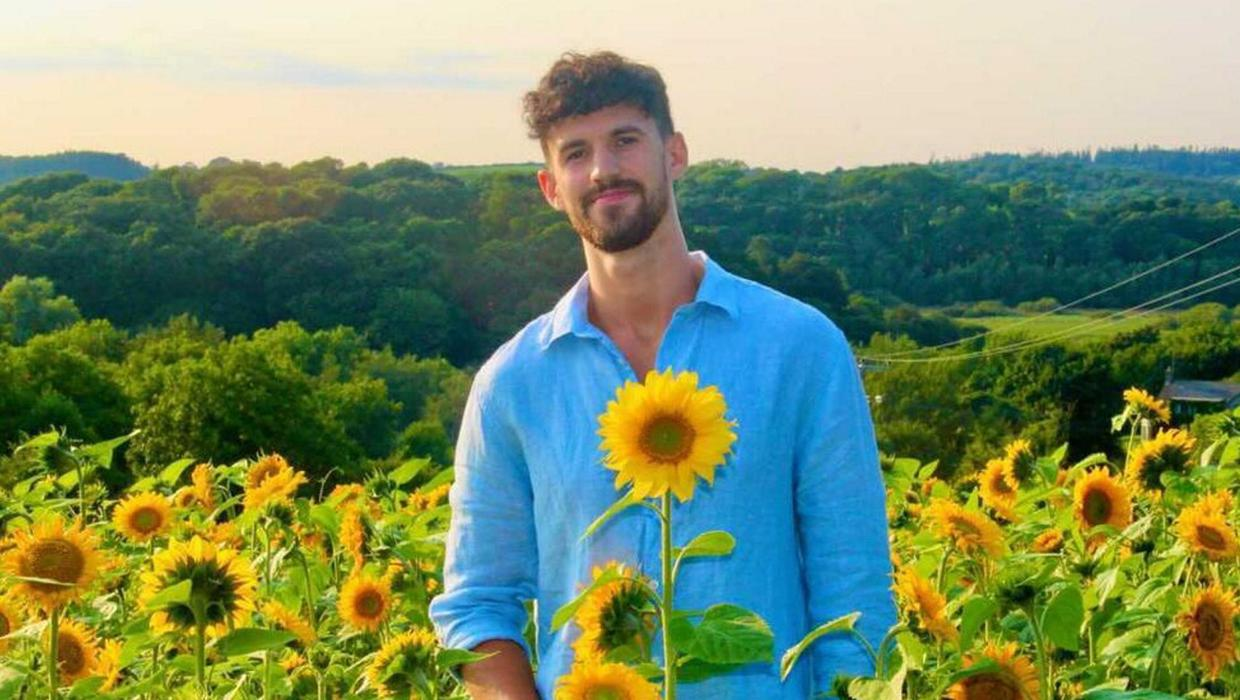 Love Island star Matthew MacNabb hails sunflower area which is elevating funds for charity
