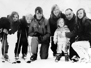 A treasured family photo of Roberta and Alistair with their children (from left) Sarah, David, Jonathan, Naomi and Rebekah