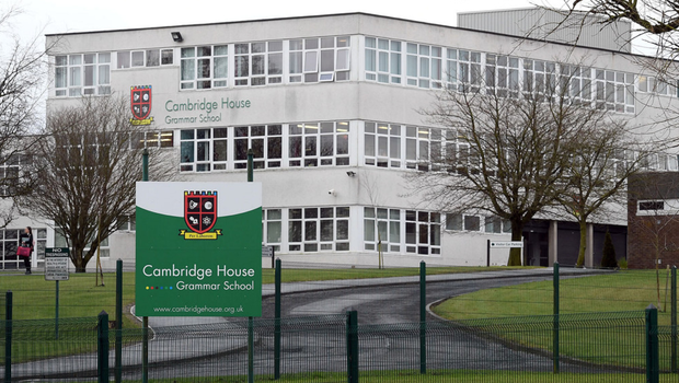 Northern Ireland pupils told to self-quarantine after Italy ski trip