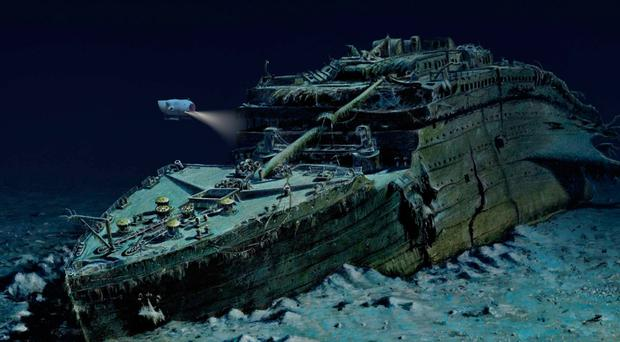 Titanic wreck hit by submarine but US 'kept it quiet ...