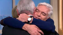 Hugs from Eamonn and Holly on This Morning yesterday