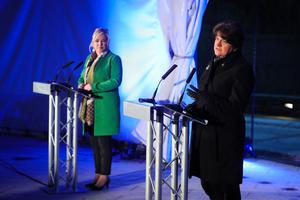 United: First Minister Arlene Foster and Deputy First Minister Michelle O'Neill during a briefing at Ranfurly House Arts and Visitor Centre in Dungannon yesterday