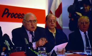 Gusty Spence announces loyalist ceasefire in 1994