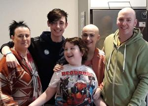 Adelle Keown during her treatment for cancer with her mum Leanne, brothers Carter and Aaron, and dad Robert