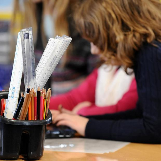 Some closure-threatened schools have too few pupils, a report has said