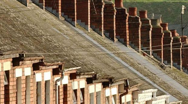Management of repair contracts left the Housing Executive open to big risks of fraud and impropriety, according to a Stormont report