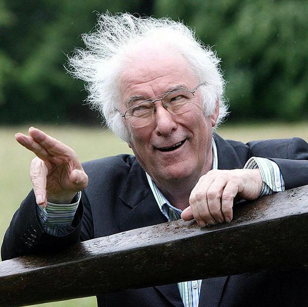 Cross-party tributes have been paid to poet Seamus Heaney