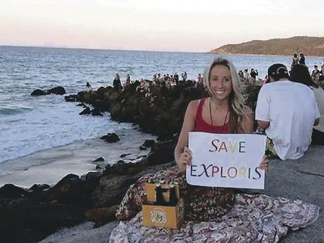 Charlotte Julia Stone in Byron Bay lends her support to the Save Exploris Campaign