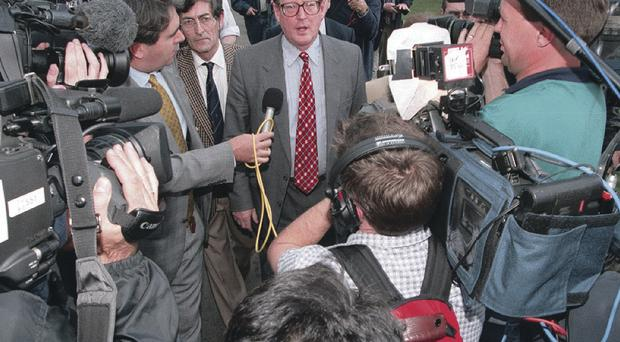 Crowds of Press speaking to David Trimble during Good Friday Agreement talks