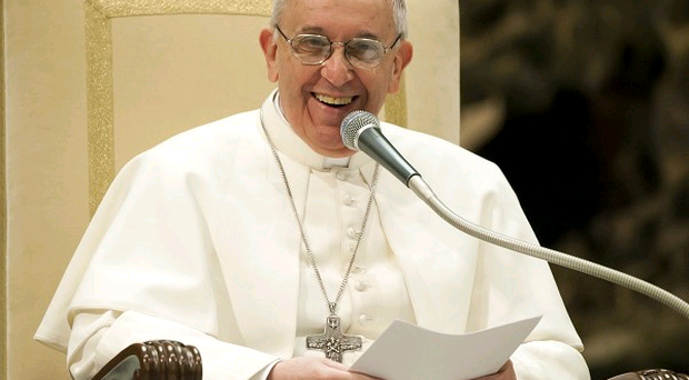 Motion to invite Pope to Belfast was passed by 30 votes to zero, with unionists abstaining