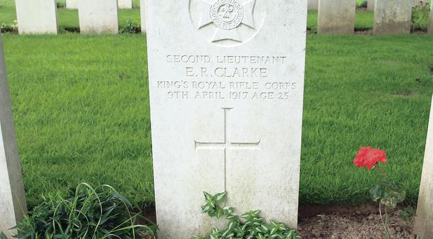 Edward Rupert Clarke's grave in Tilloy-les-Mofflaines cemetery in France