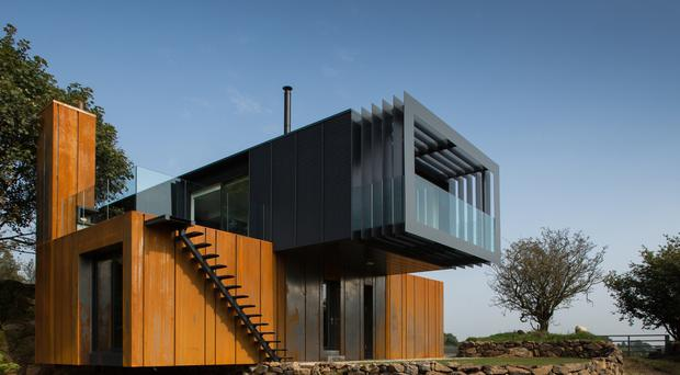 Shipping container house featured on grand designs wins top architecture award - Grand designs shipping container home ...