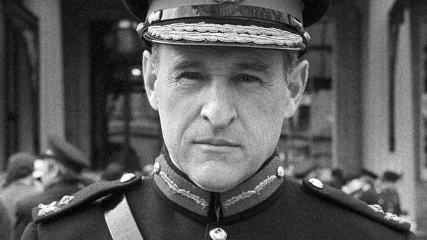 Retired general Frank Kitson is to be sued over a man's death in Northern Ireland in 1973