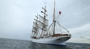 The Statsraad Lehmkuhl at sea