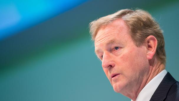 Enda Kenny says he is optimistic about the outcome of crunch talks to save Northern Ireland's power-sharing executive