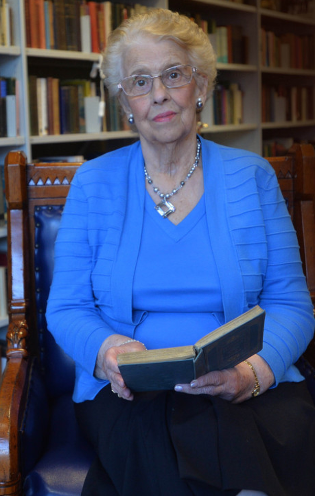 Baroness Paisley in the Bannside Library