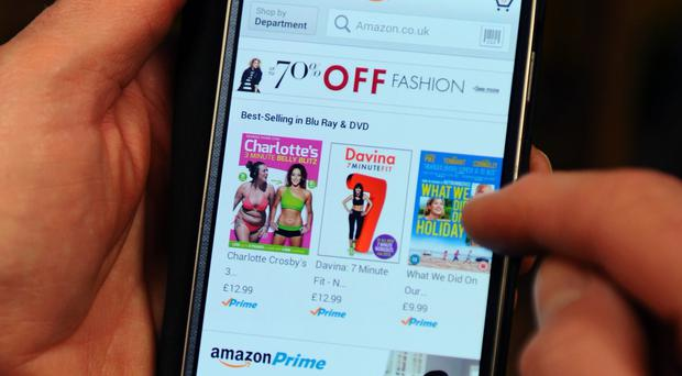 Christmas shoppers are increasingly using their mobile phone to help find bargains, a new survey suggests