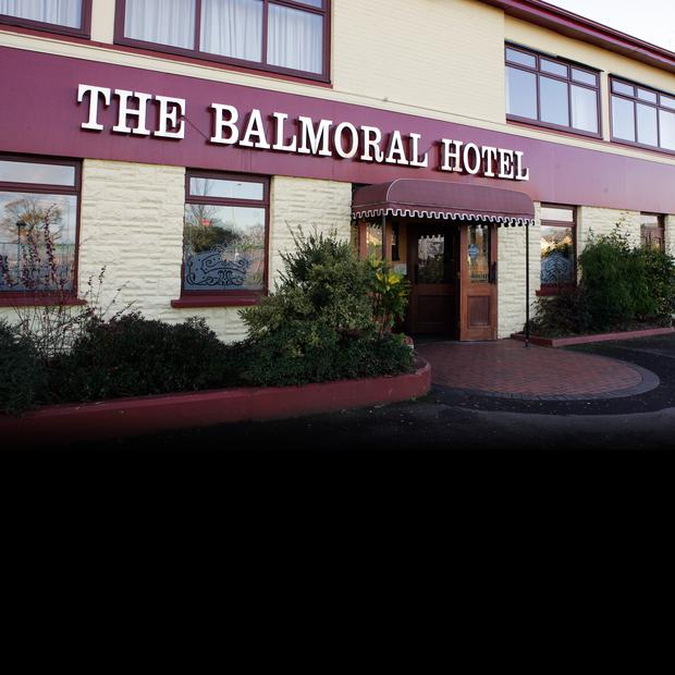 The Balmoral Hotel in west Belfast is to be kept open by administrators