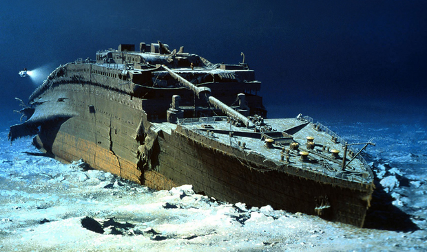 A computer-enhanced image of the remains of the Titanic at the bottom of the Atlantic
