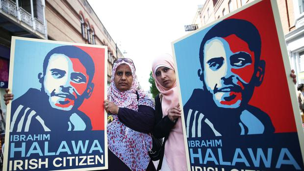 Nosayba (left) and Somaia Halawa, sisters of Ibrahim Halawa, on Grafton Street in Dublin's city centre